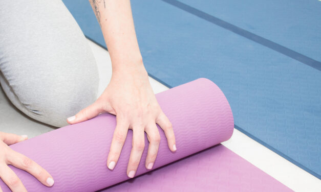 Cómo elegir un mat de yoga